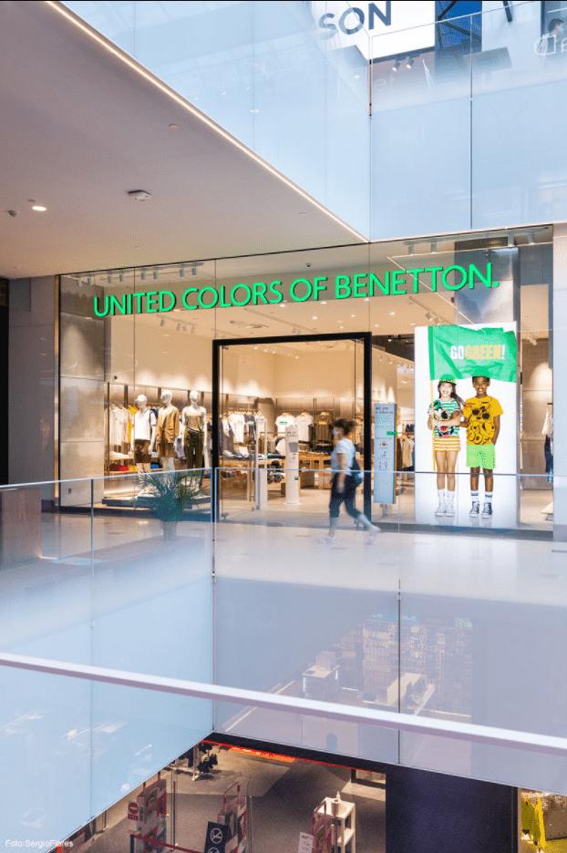contract diagonal shopping centre benetton