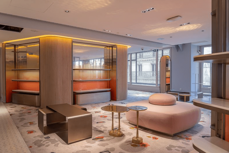 contract has refurbished fourth floor samaritaine paris